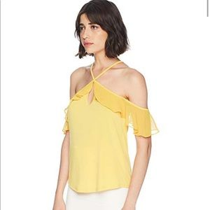 BCBGeneration Ruffle Off-the-Shoulder Top〰NWT